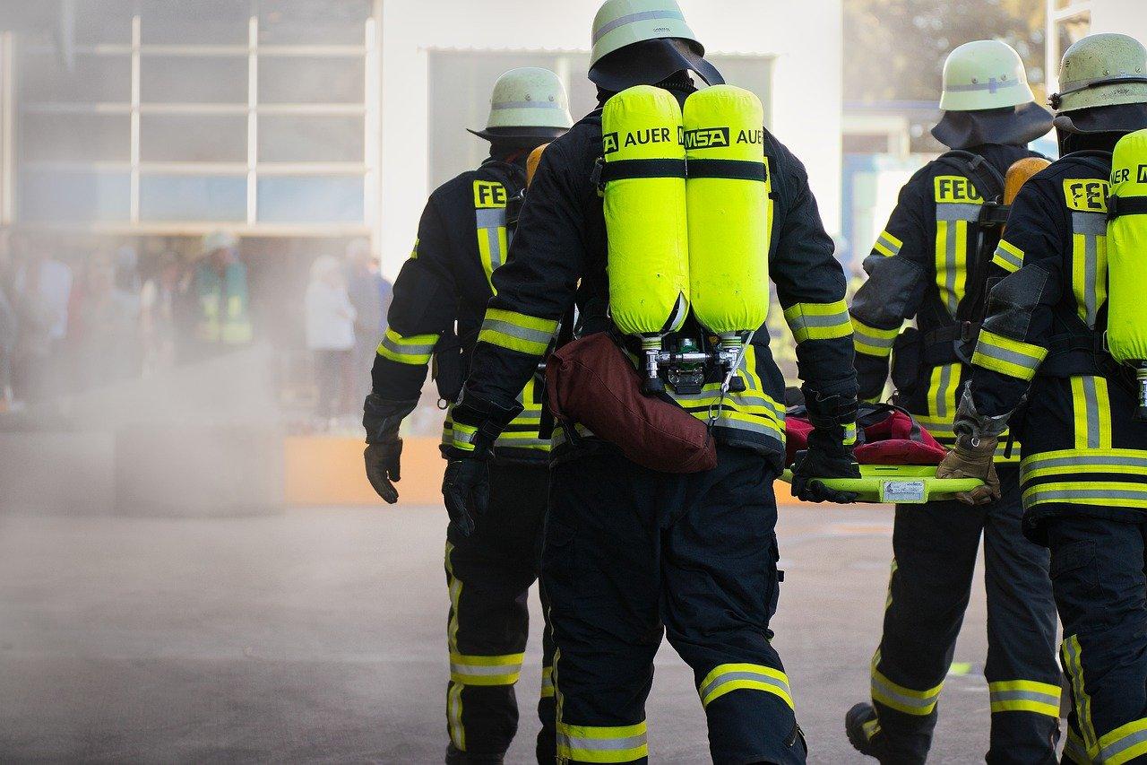 fire-fighting-4495488_1280